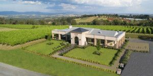 are you looking for a small group winery tours melbourne